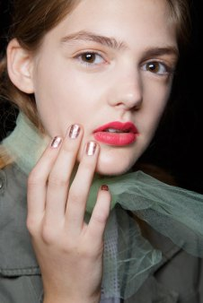 BADGLEY-MISCHKA-backstage-beauty-spring-2016-fashion-show-the-impression-34