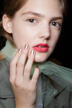 BADGLEY-MISCHKA-backstage-beauty-spring-2016-fashion-show-the-impression-34