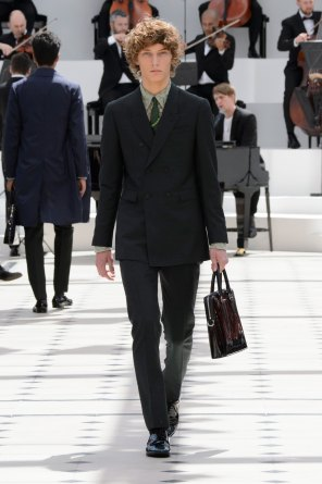 BURBERRY-PRORSUM-spring-2016-mens-show-the-impression-10