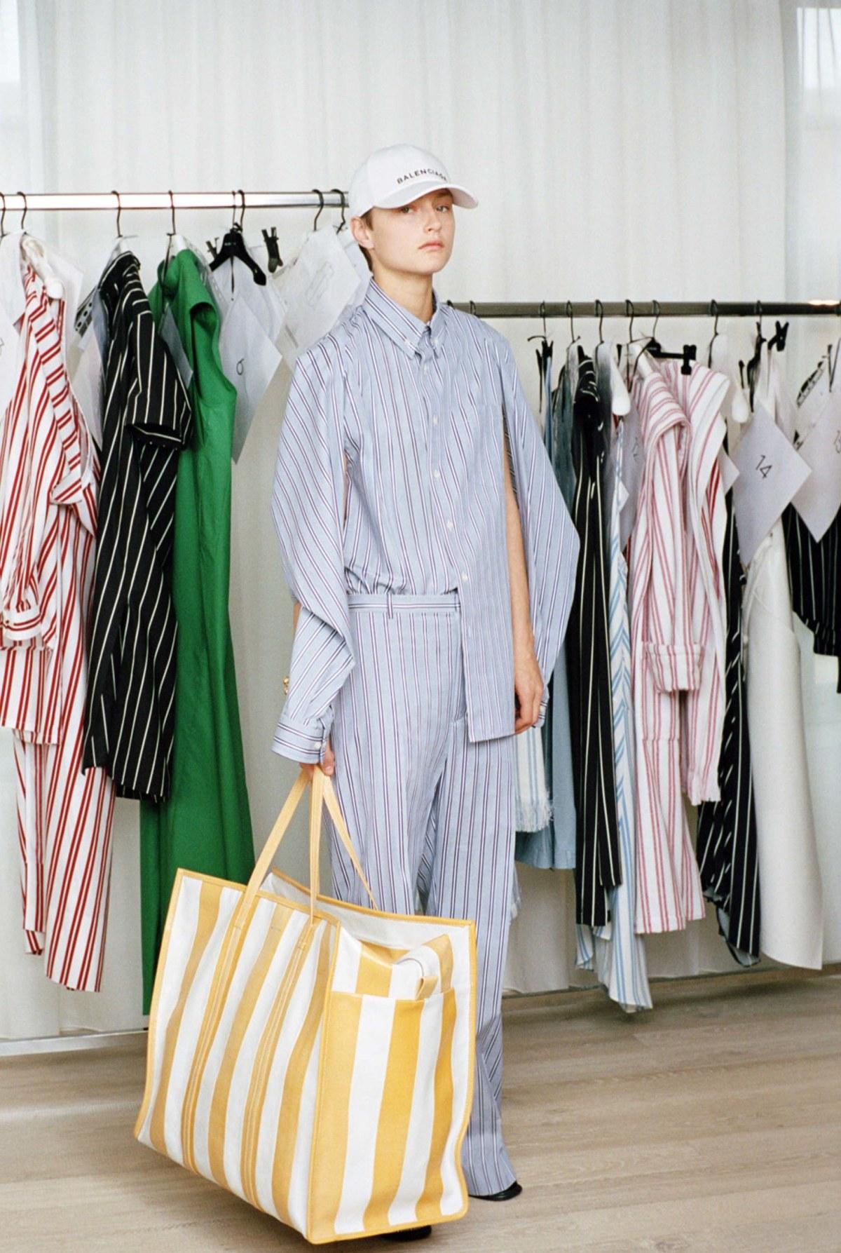 balenciaga-resort-2017-fashion-show-the-impression-07