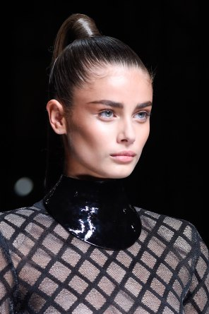 Balmain-spring-2016-runway-beauty-fashion-show-the-impression-57