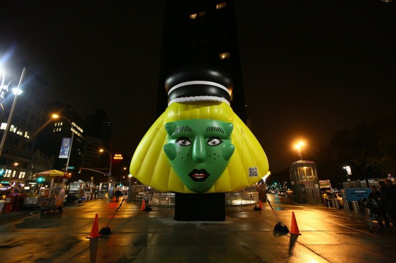 Barneys-New-York-Gaga-Workshop-holiday-2011-the-impression008