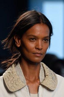 Bottega-Veneta-runway-beauty-spring-2016-close-up-fashion-show-the-impression-019