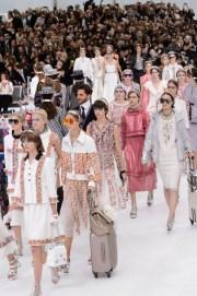 Chanel-spring-2016-fashion-show-the-impression-115-680x1024