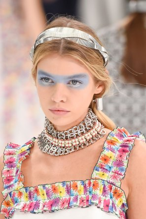 Chanel-spring-2016-runway-beauty-fashion-show-the-impression-13