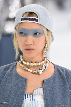 Chanel-spring-2016-runway-beauty-fashion-show-the-impression-17