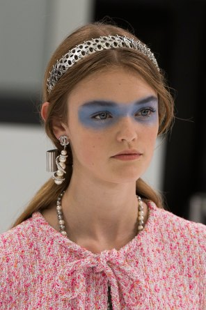 Chanel-spring-2016-runway-beauty-fashion-show-the-impression-33