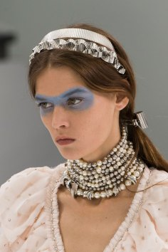 Chanel-spring-2016-runway-beauty-fashion-show-the-impression-42