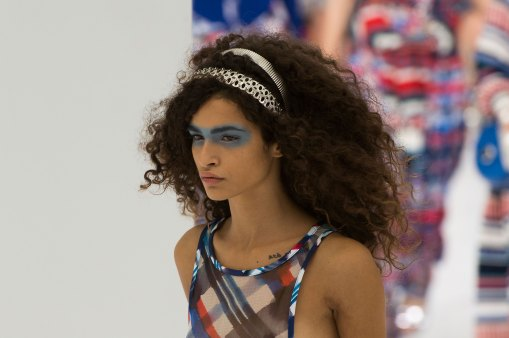 Chanel-spring-2016-runway-beauty-fashion-show-the-impression-51