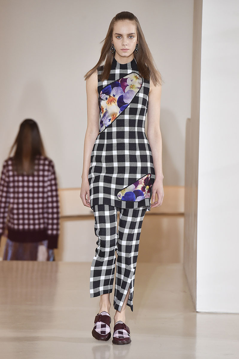 Christopher Kane Resort 2017 Copyright Catwalking.com 'One Time Only' Publication Editorial Use Only