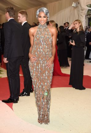 Ciara in H&M