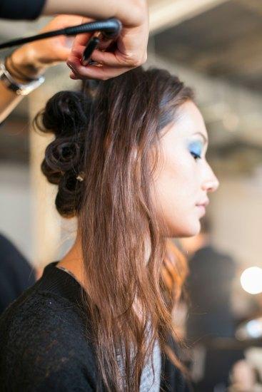 DIANE-VON-FURSTENBERG-beauty-spring-2016-fashion-show-the-impression-01