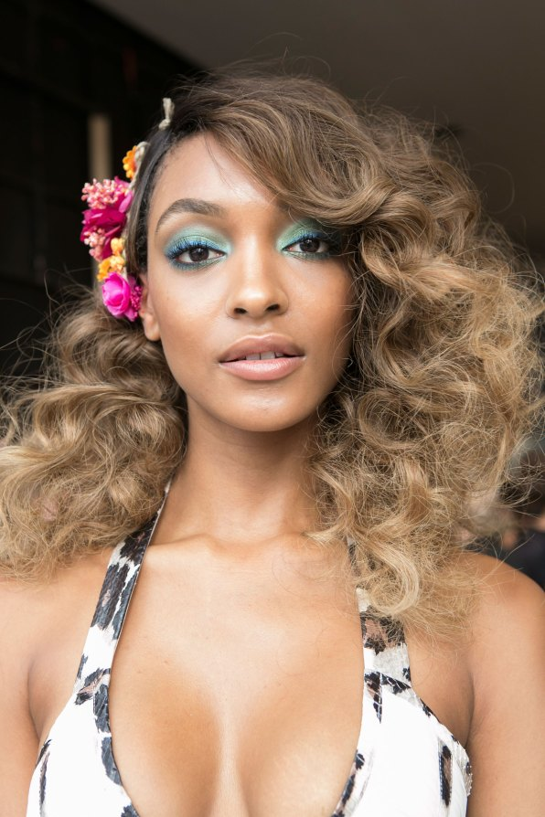 DIANE-VON-FURSTENBERG-beauty-spring-2016-fashion-show-the-impression-66