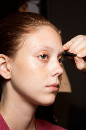 DSquared2-backstage-beauty-spring-2016-fashion-show-the-impression-032