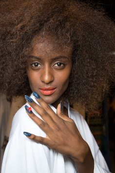 Desigual-beauty-backstage-spring-2016-fashion-show-the-impression-05