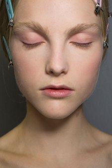 Dior-backstage-beauty-spring-2016-fashion-show-the-impression-005
