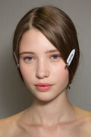 Dior-backstage-beauty-spring-2016-fashion-show-the-impression-007