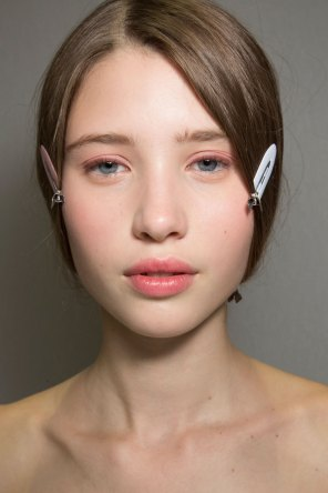 Dior-backstage-beauty-spring-2016-fashion-show-the-impression-011