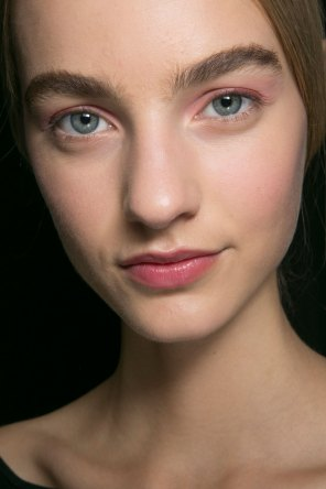 Dior-backstage-beauty-spring-2016-fashion-show-the-impression-027