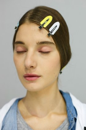 Dior-backstage-beauty-spring-2016-fashion-show-the-impression-058