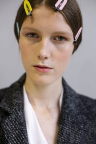 Dior-backstage-beauty-spring-2016-fashion-show-the-impression-094