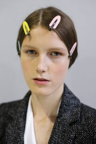 Dior-backstage-beauty-spring-2016-fashion-show-the-impression-095