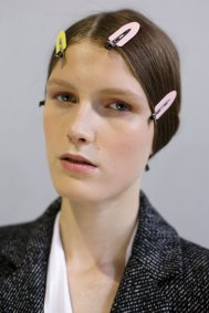 Dior-backstage-beauty-spring-2016-fashion-show-the-impression-096