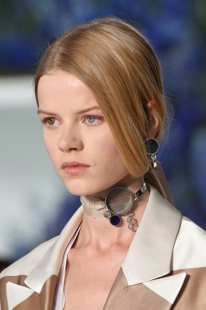 Dior-runway-beauty-spring-2016-fashion-show-the-impression-022