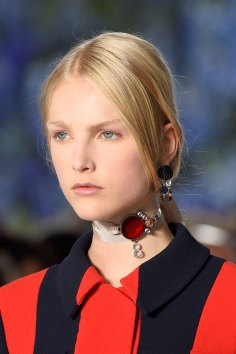 Dior-runway-beauty-spring-2016-fashion-show-the-impression-028