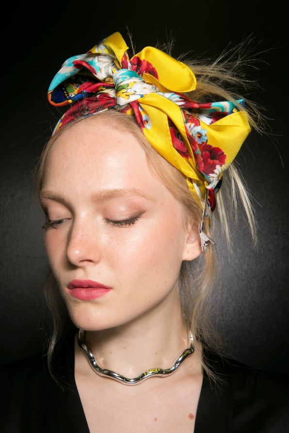 Dolce-and-Gabanna-backstage-beauty-spring-2016-fashion-show-the-impression-002