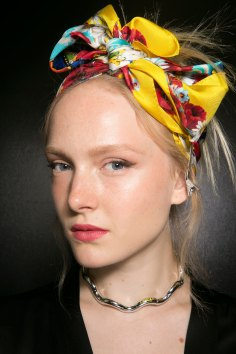 Dolce-and-Gabanna-backstage-beauty-spring-2016-fashion-show-the-impression-003