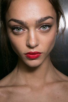 Dolce-and-Gabanna-backstage-beauty-spring-2016-fashion-show-the-impression-017