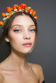 Dolce-and-Gabanna-backstage-beauty-spring-2016-fashion-show-the-impression-039