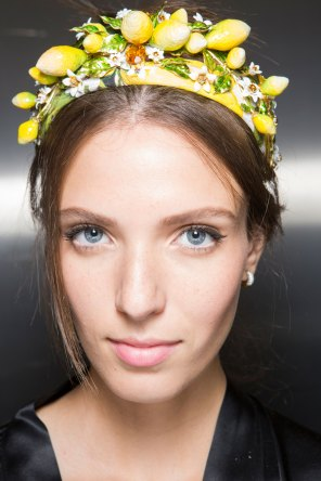 Dolce-and-Gabanna-backstage-beauty-spring-2016-fashion-show-the-impression-065