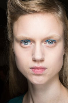 Dries-van-Noten-spring-2016-beauty-fashion-show-the-impression-08