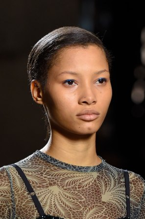 Dries-van-Noten-spring-2016-runway-beauty-fashion-show-the-impression-38