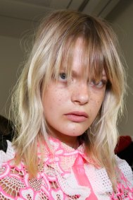Emanuel-Ungaro-backstage-beauty-spring-2016-fashion-show-the-impression-035