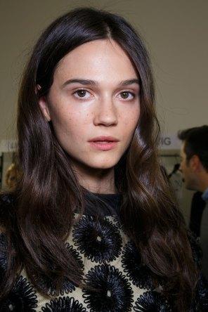 Emanuel-Ungaro-backstage-beauty-spring-2016-fashion-show-the-impression-042