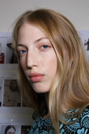Emanuel-Ungaro-backstage-beauty-spring-2016-fashion-show-the-impression-043