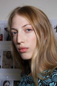 Emanuel-Ungaro-backstage-beauty-spring-2016-fashion-show-the-impression-043
