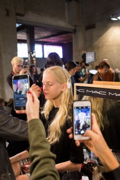 Emilio-Pucci-spring-2016-beauty-fashion-show-the-impression-012