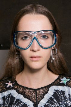 Emilio-Pucci-spring-2016-beauty-fashion-show-the-impression-094
