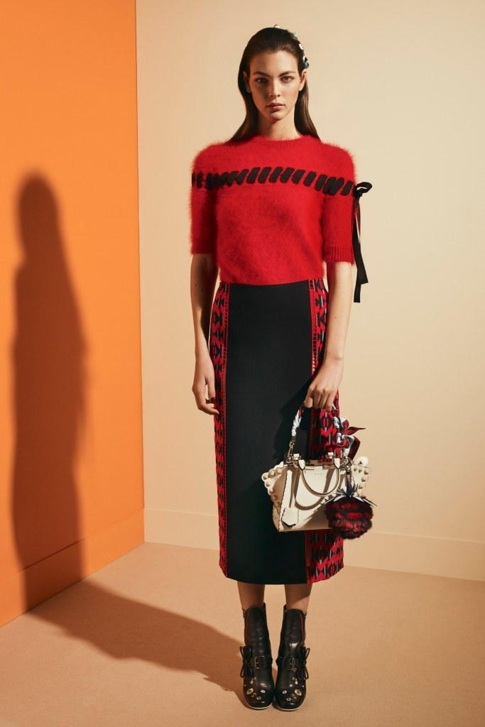 fendi-pre-fall-2017-fashion-show-the-impression-12
