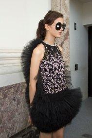 GIAMBATTISTA-VALLI-backstage-fall-2015-couture-the-impression-021