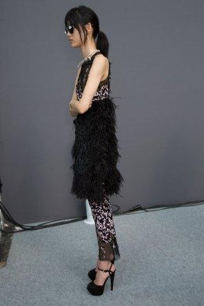 GIAMBATTISTA-VALLI-backstage-fall-2015-couture-the-impression-047