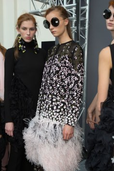 GIAMBATTISTA-VALLI-backstage-fall-2015-couture-the-impression-052