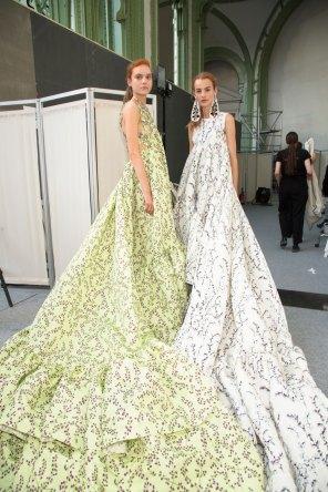 GIAMBATTISTA-VALLI-backstage-fall-2015-couture-the-impression-093