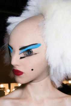 Gareth-Pugh-beauty-spring-2016-fashion-show-the-impression-093