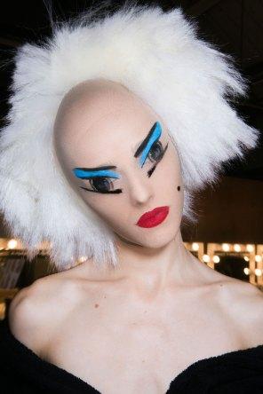 Gareth-Pugh-beauty-spring-2016-fashion-show-the-impression-097