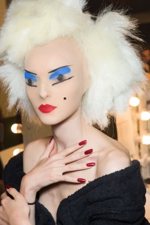 Gareth-Pugh-beauty-spring-2016-fashion-show-the-impression-154